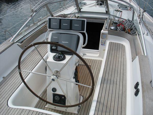 Cockpit/helm area