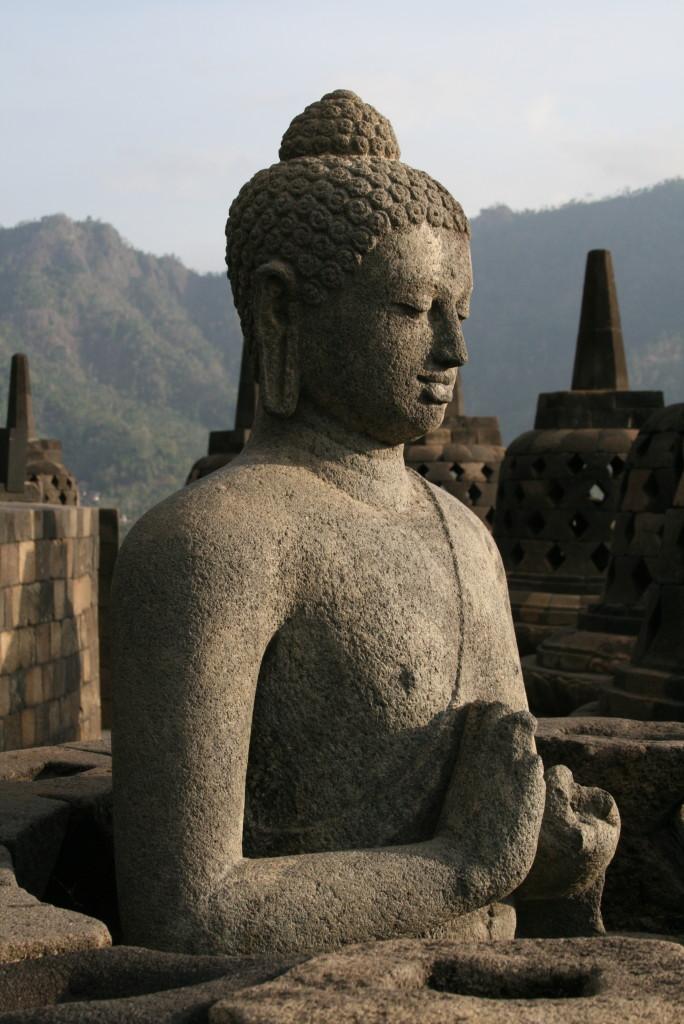 Buddha with broken hands